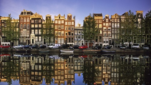 reflections-in-a-canal-in-amsterdam-252862